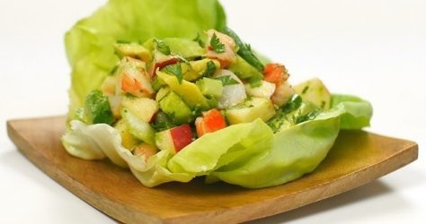 avocado and shrimp salad pic 620x425