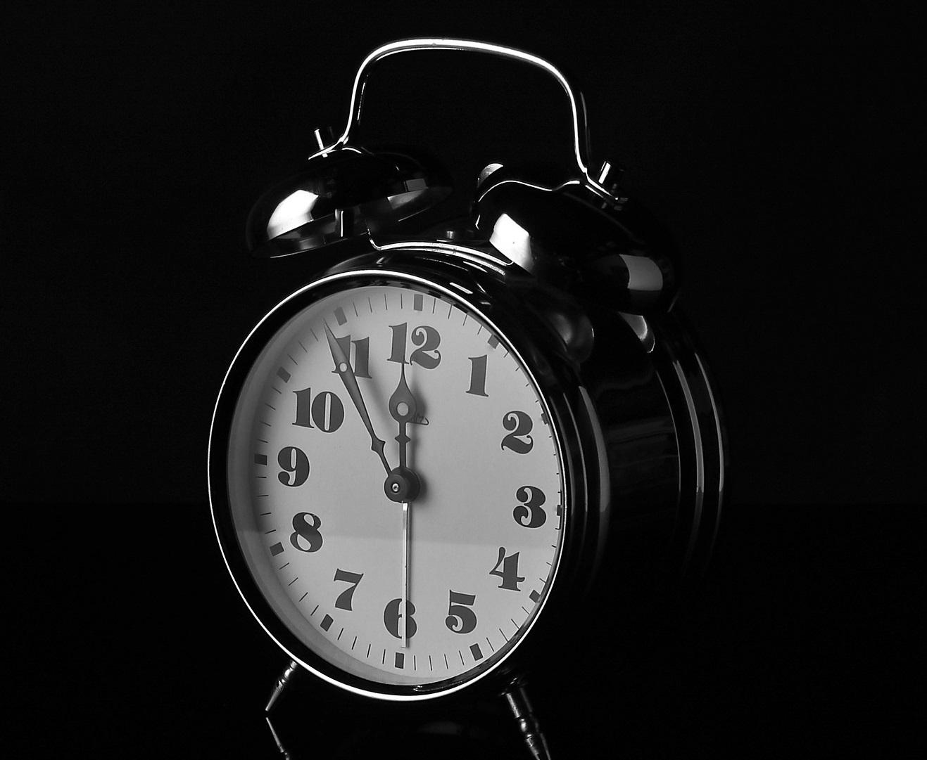 alarm-clock-687580_1920 for online