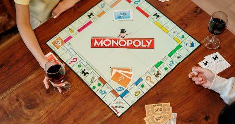 pexels-cottonbro-4004426.monopoly board